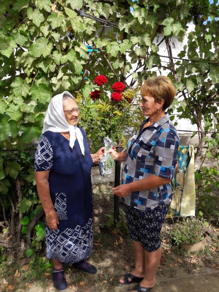 С юбилеем Нина Яковлевна и Федор Александрович